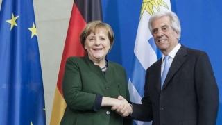 """""""Merkel está perdidamente enamorada de Vázquez"""" - Columna de Darwin - 1 - DelSol 99.5 FM"""
