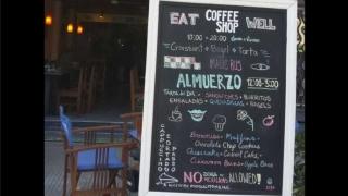 """El cartel en el Coffee Shop y la """"estupidez pura"""" del uruguayo - Columna de Darwin - 1 - DelSol 99.5 FM"""