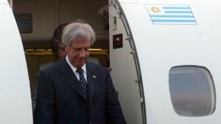 """""""El Renault 12 de los aviones presidenciales"""" - Columna de Darwin - 1 - DelSol 99.5 FM"""