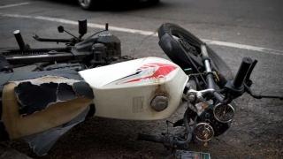 El peligroso traslado de niños en moto - Informes - DelSol 99.5 FM