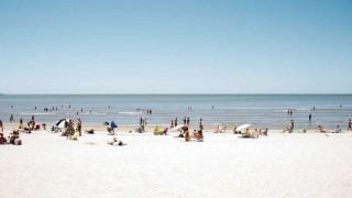 Darwin, de la playa fascista a la playa peronista - Columna de Darwin - 1 - DelSol 99.5 FM