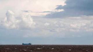 El guionista de Dios y los problemas de los argentinos con el agua - Columna de Darwin - 1 - DelSol 99.5 FM