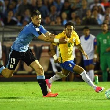Uruguay 1 - 4 Brasil