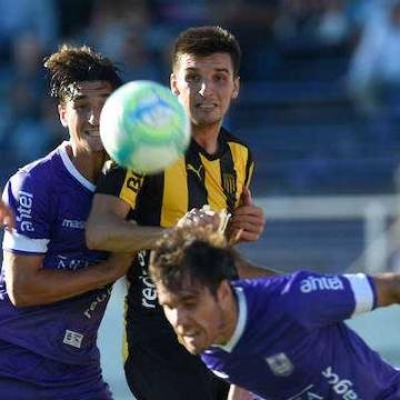 Defensor 2 - 2 Peñarol