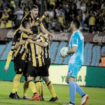 Nacional 0 - Peñarol 2