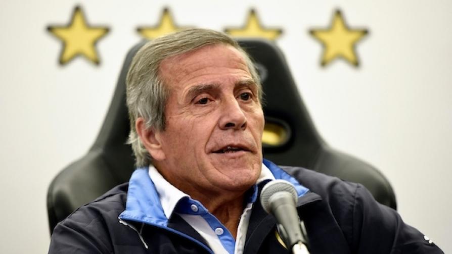 Tabárez marcó la cancha - Entrevistas - Fútbol & Compañía | DelSol 99.5 FM