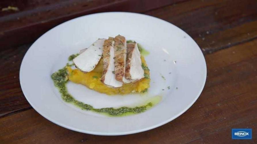 Pequeños secretos para lograr una pechuga de pollo perfecta - Gourmet - Videos | DelSol 99.5 FM