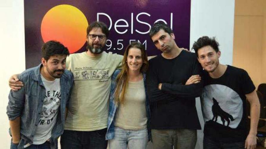 Anya - Arriba los que escuchan - Cambio & Fuera | DelSol 99.5 FM