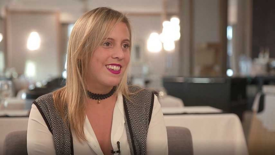 Cecilia Bonino entrevista: Fiorella Bergamasco - Mujeres emprendedoras - Videos   DelSol 99.5 FM
