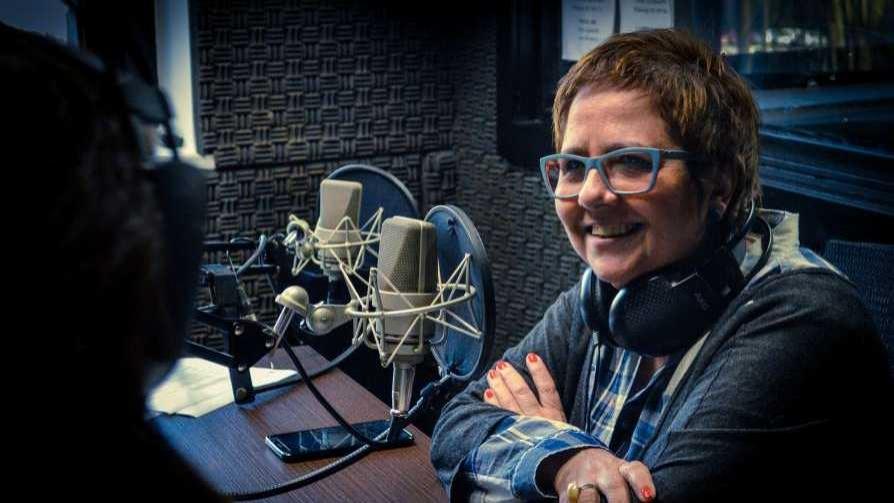 Laura Canoura, jurado de Master Class y la presentación de Cantoura - Hoy nos dice ... - Quién te Dice | DelSol 99.5 FM