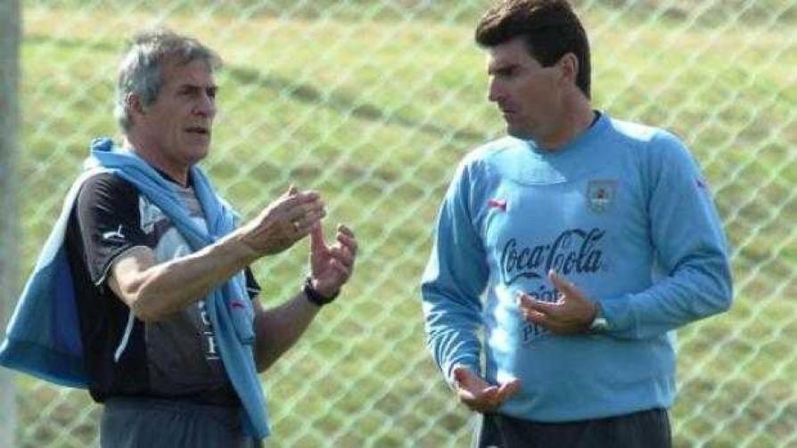 Rebollo explicó los criterios para citar futbolistas - Entrevistas - Fútbol & Compañía | DelSol 99.5 FM