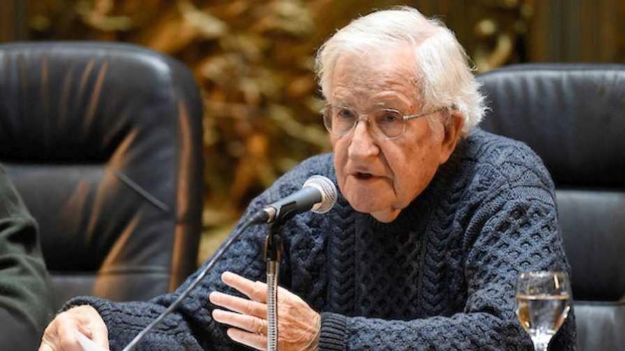 El pensamiento de Noam Chomsky - Cacho de cultura - La Mesa de los Galanes | DelSol 99.5 FM