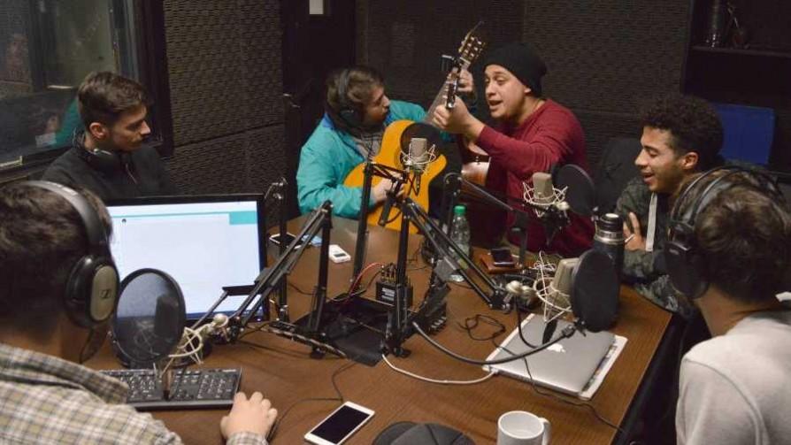 Senda 7 festeja sus 4 años  - Audios - Cambio & Fuera | DelSol 99.5 FM