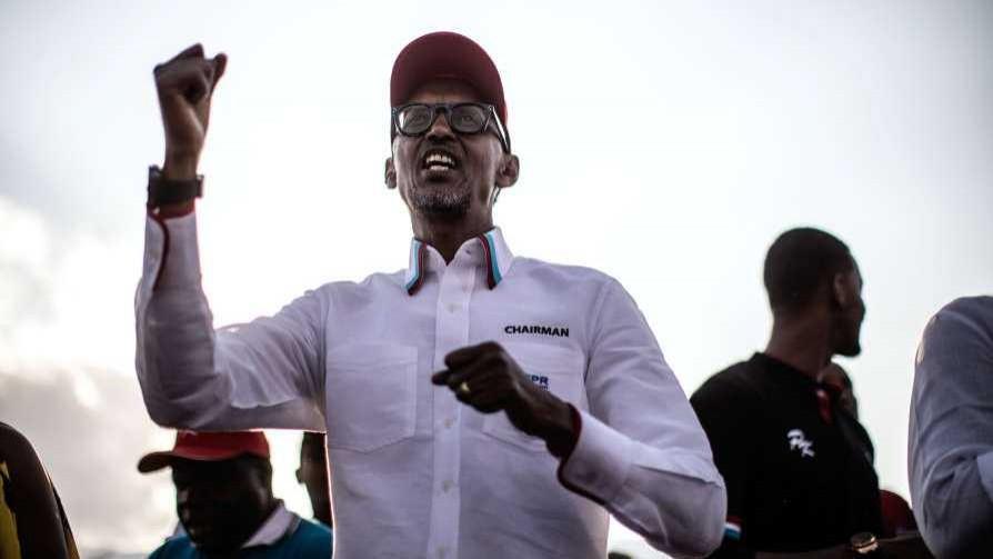 Darwin le armó la campaña y los jingles a Kagame - Columna de Darwin - No Toquen Nada | DelSol 99.5 FM