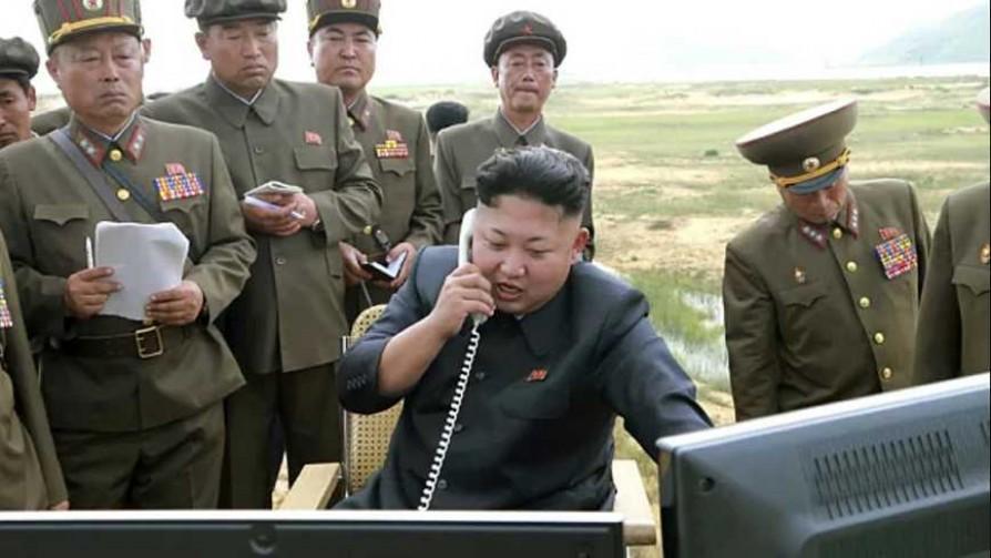 Darwin, Trump y el mensaje nuclear en el teléfono con cable de rulo - Columna de Darwin - No Toquen Nada | DelSol 99.5 FM