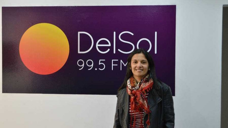 Claudia Umpiérrez, la representante Celeste en el Mundial Sub 17 - Entrevistas - Fútbol & Compañía | DelSol 99.5 FM
