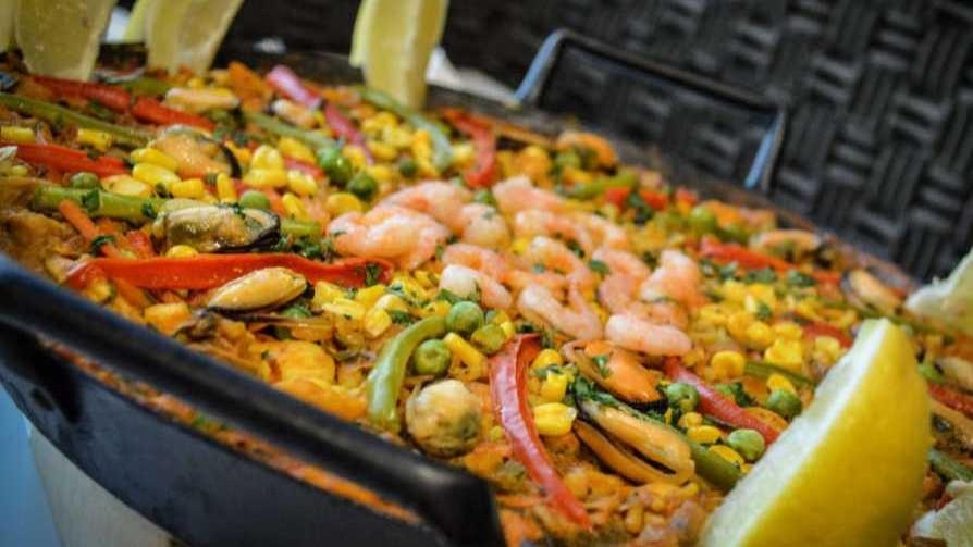 Un plato típico español: la paella  - Dani Guasco - Cambio & Fuera | DelSol 99.5 FM
