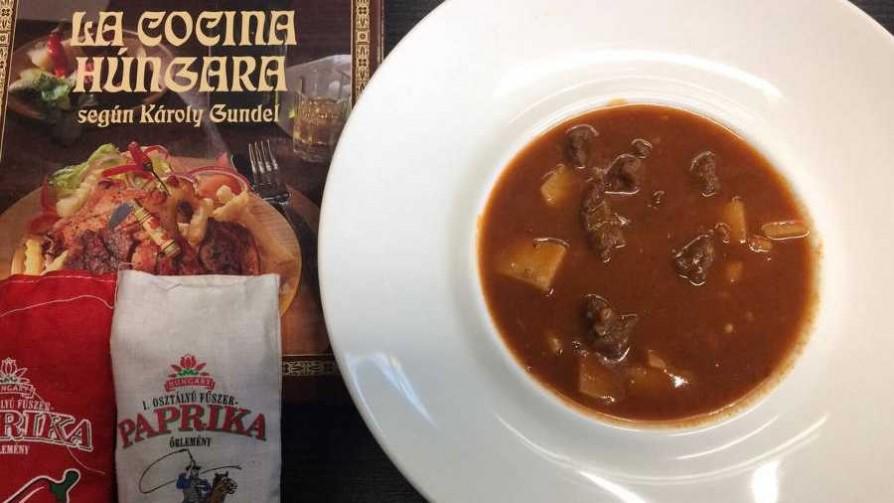 Un plato típico de Hungría: el goulash  - Dani Guasco - Cambio & Fuera   DelSol 99.5 FM