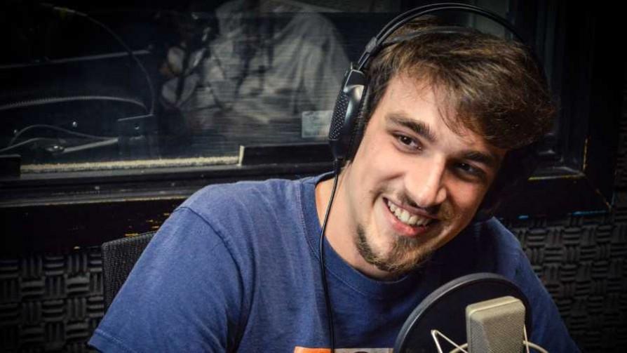 Manuel Botana, comedia e improvisación a los 21 años - El especialista - Cambio & Fuera | DelSol 99.5 FM