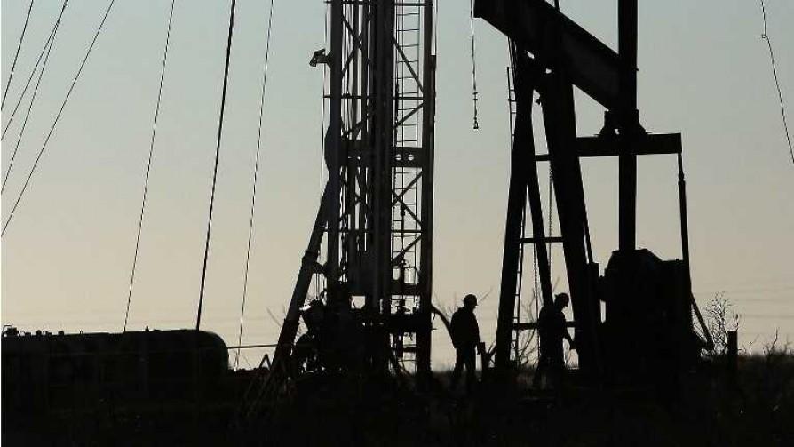 Darwin recomienda contratar a todos los geólogos para informar de petróleo - Columna de Darwin - No Toquen Nada | DelSol 99.5 FM