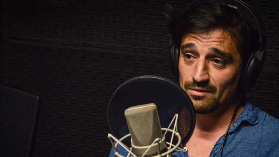 Santiago Mancheno presentó su música  - Arriba los que escuchan - Cambio & Fuera   DelSol 99.5 FM
