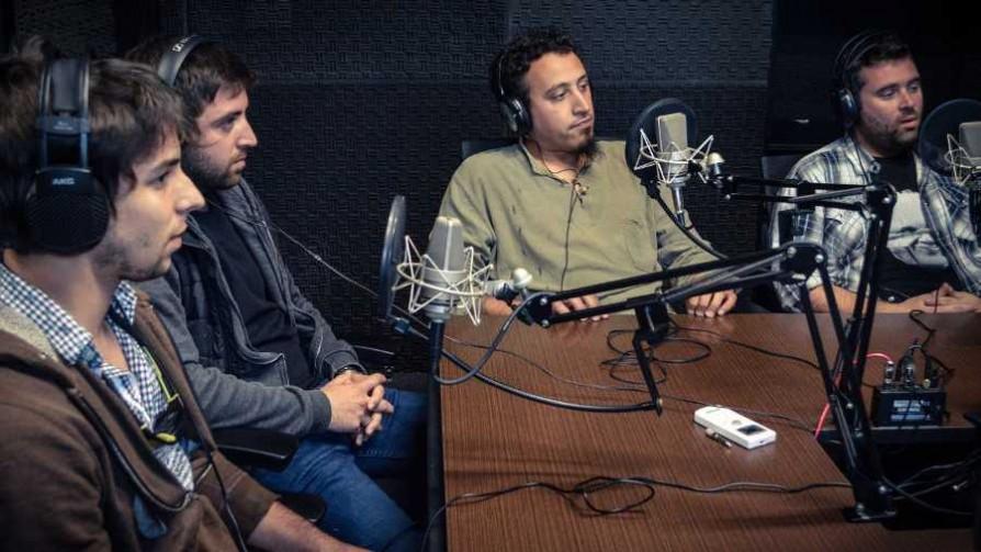 Sapos tetones - Arriba los que escuchan - Cambio & Fuera | DelSol 99.5 FM