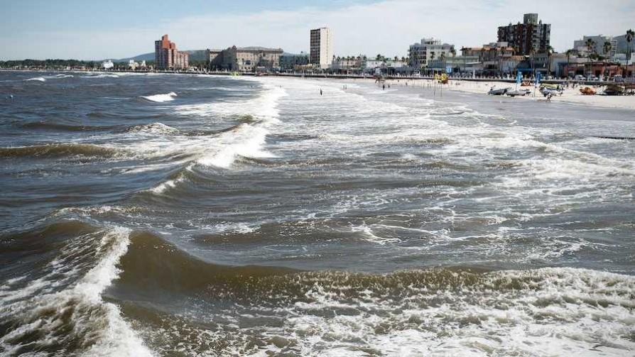 ¿Qué tienen de loco las playas uruguayas?  - El loquito - La Mesa de los Galanes | DelSol 99.5 FM