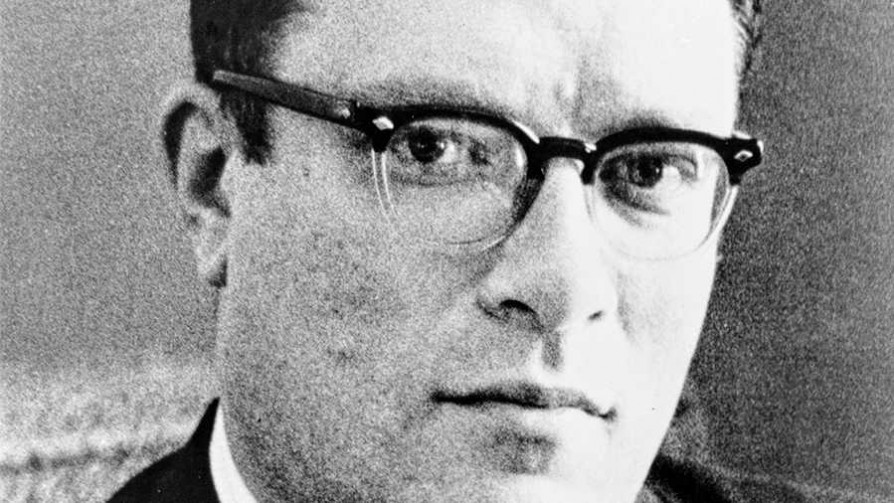 "Isaac Asimov + serie: ""Good behaviour"" - Random - Quién te Dice 