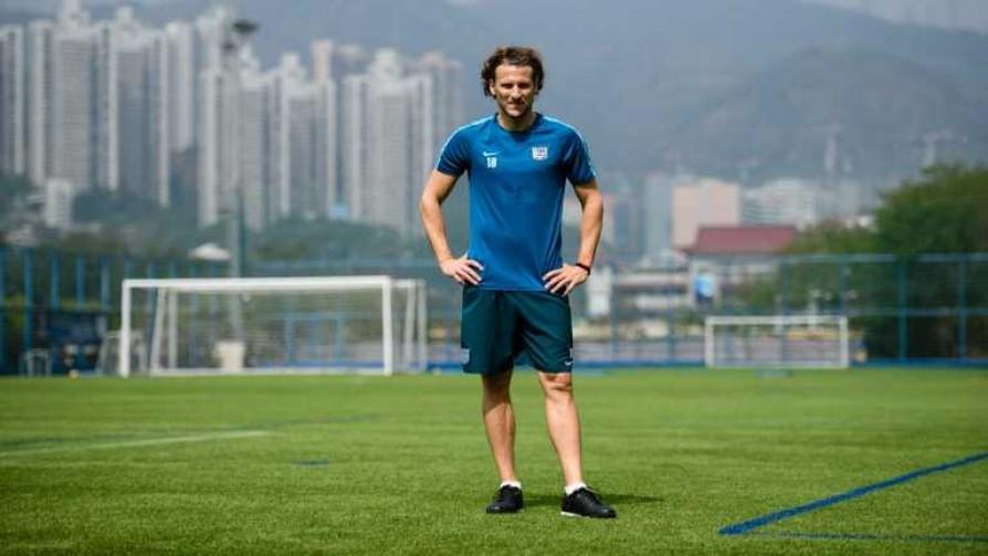 ¿Cómo la está pasando Forlán en Hong Kong? - La duda - Locos x el Fútbol | DelSol 99.5 FM