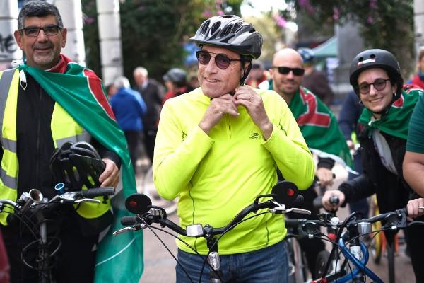 Daniel Martínez en un acto en el Parque Rodó || El pre candidato a presidente por el Frente Amplio, Daniel Martínez, realizó una bicicleteada desde la Universidad hasta el lago del Parque Rodó. || Pablo Vignali / adhocFOTOS