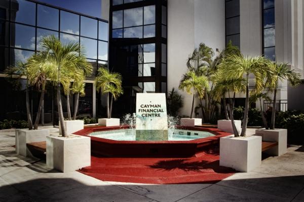 Complejo de oficinas Cayman Financial Centre. || ©Federico Estol
