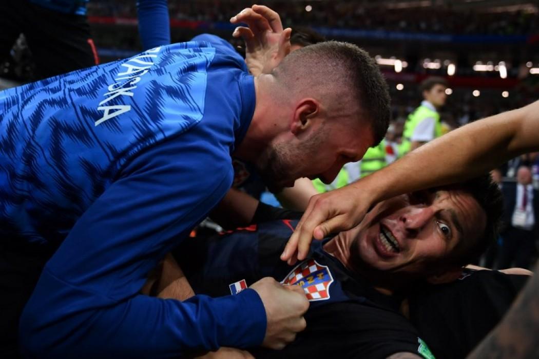 Croacia festejó con un fotógrafo — Galerias | Del Sol 99.5 en el Mundial Rusia 2018