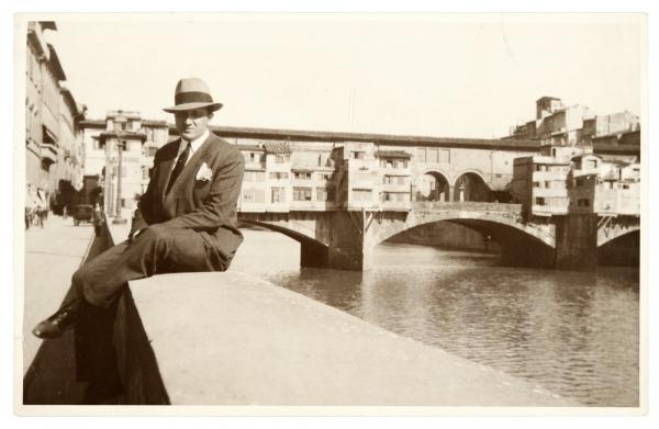 Gerardo Matos Rodríguez. Ponte Vecchio, Florencia. Año 1929. || Foto: Archivo Matos Rodríguez. Autor: s/d.