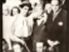 Gerardo Matos Rodríguez, Carlos Gardel y elenco, durante la filmación del primer largometraje de Carlos Gardel, Las luces de Buenos Aires, para el cual Matos Rodríguez compuso varias canciones. Joinville Studios, París. Año 1931. || Foto: Archivo Matos Rodríguez. Autor: s/d.