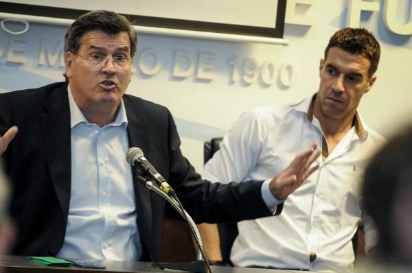 adhoc Javier Calvelo