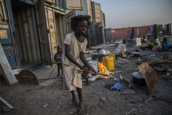 Las personas desplazadas se quedan en campos viviendo en malas condiciones de vida, Sudán del Sur. Noviembre  2015 || Anna Surinyach