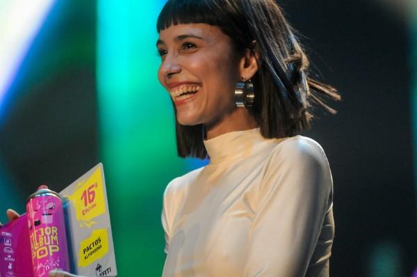 Tres premios para Alfonsina: Solista femenina, Mejor álbum de pop y Artista del año    Adhoc ©Javier Calvelo