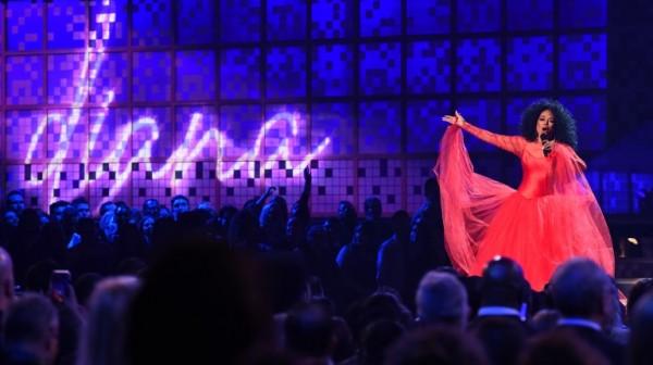 Diana Ross celebró sus 75 años en el escenario de los Grammy (AFP)