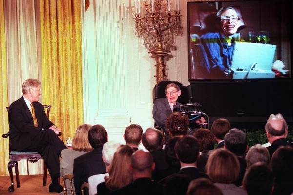 Junto a Bill Clinton en 1998 (Tim SLOAN / AFP)