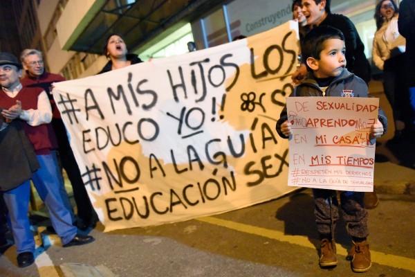 Resultado de imagen para Argentina a mis hijos los educo yo