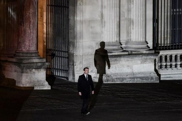 Emmanuel Macron en el Museo del Louvre || AFP
