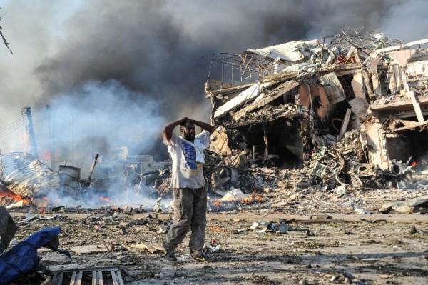 Un atentado con coche bomba dejó 20 muertos en Somalia || AFP