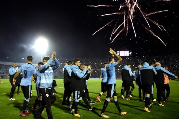 Uruguay tras la clasificacion ante Bolivia por la ultima fecha de eliminatorias al Mundial FIFA Rusia 2018 en el estadio Centenario. || Nicolás Celaya /adhocFOTOS