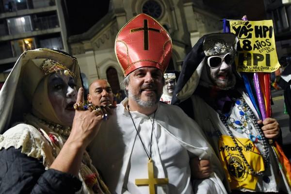 Pablo Cabrera durante la Marcha de la Diversidad por el centro, || Nicolás Celaya