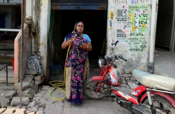 INDIA - Rajpati Devi, mecánica de motos    AFP