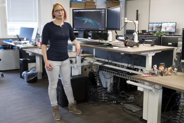 REINO UNIDO - Jodie Azhar, líder de área técnica de videojuegos || AFP