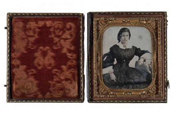 """Señora de Ferreira"". Década de 1850. Daguerrotipo. Archivo: MHN/CI, nº 51."