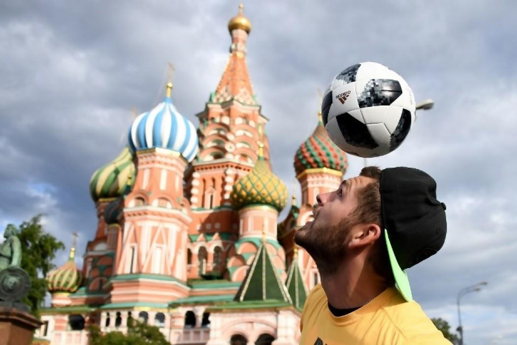 La Plaza Roja se llena de más colores con la llegada de los hinchas — 180 | Del Sol 99.5 en el Mundial Rusia 2018