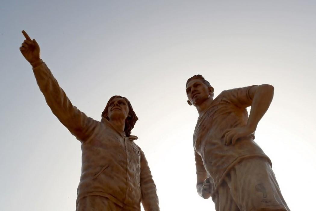 Inauguraron estatuas de Gareca y Guerrero en Lima — Noticias | Del Sol 99.5 en el Mundial Rusia 2018