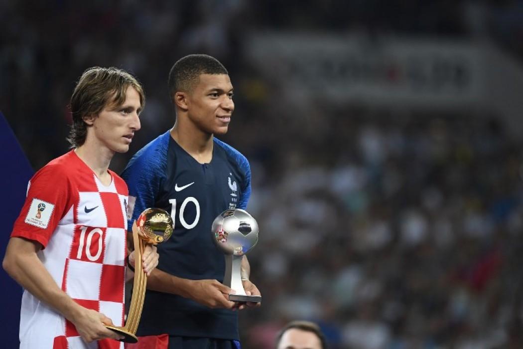Modric se quedó con el Balón de Oro; Mbappé fue el mejor jugador joven — Noticias | Del Sol 99.5 en el Mundial Rusia 2018